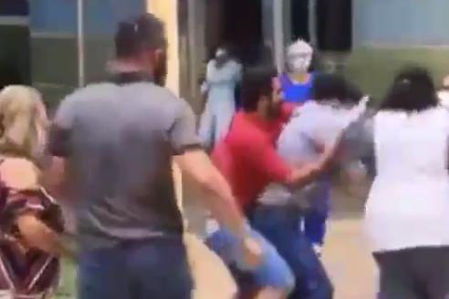 Equipe de afiliada da TV Globo grava agressão sofrida em Minas