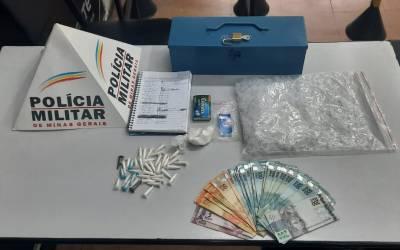 PM apreende quase 40 pinos de cocaína com homem em Itaúna
