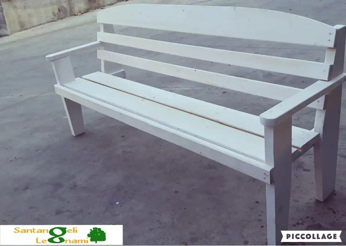 panchina in legno roma