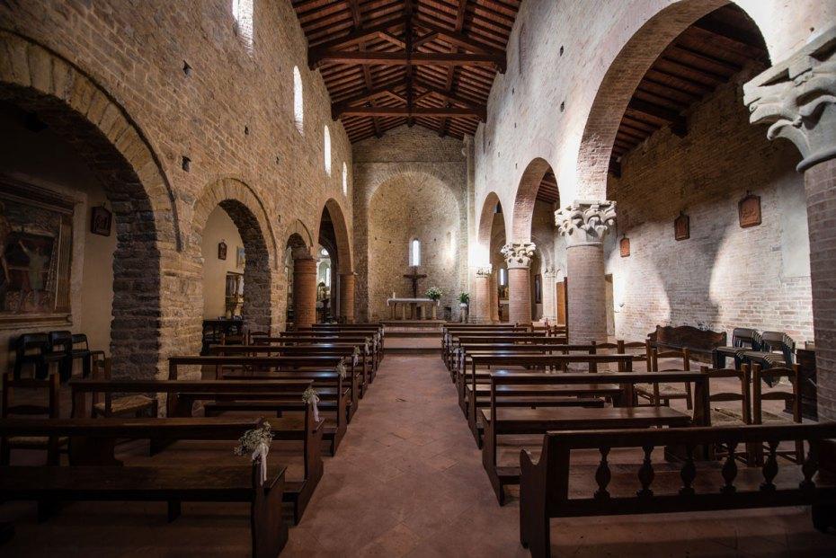 L'interno della pieve di Sant'Appiano nel comune di Barberino val d'Elsa