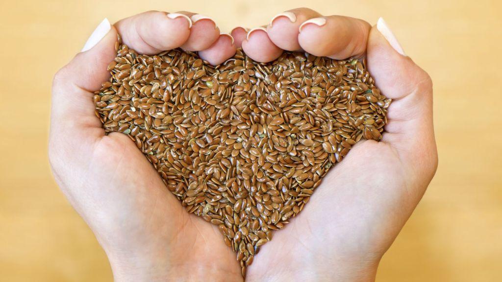 Remède à la maison facile pour l'endométriose à l'aide de graines de lin.
