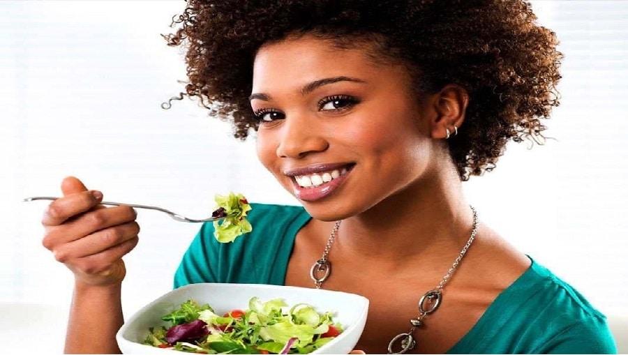 11 aliments qui peuvent vous aider à paraître plus jeunes