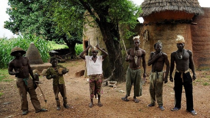 Cette tribu africaine était experte en matière d'agrandissement du pénis avant la chirurgie plastique