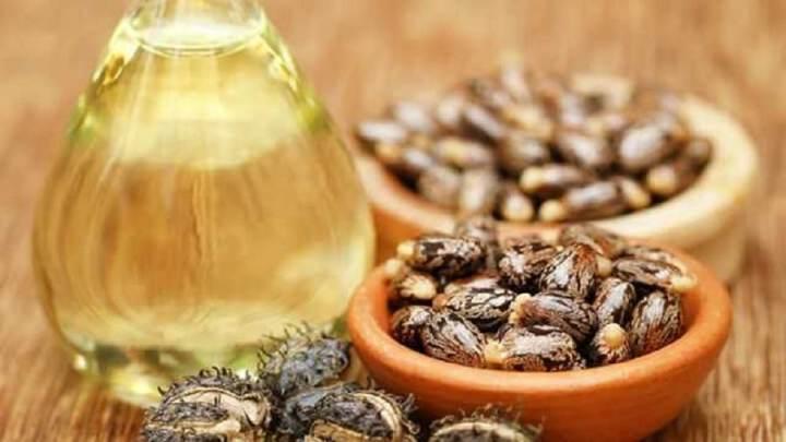 L'huile de ricin biologique est le remède à la maison pour de nombreux problèmes de santé