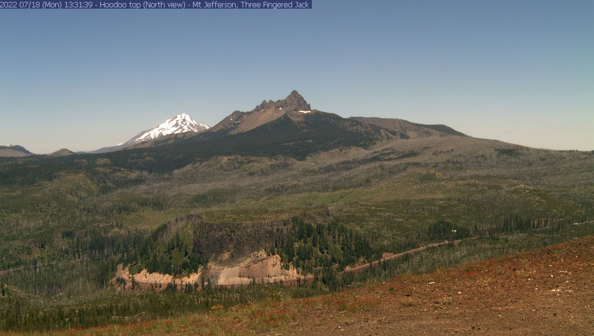 Mt Jefferson, Three-Fingered Jack, Hogg Rock fm top of Hoodoo Butte (N)
