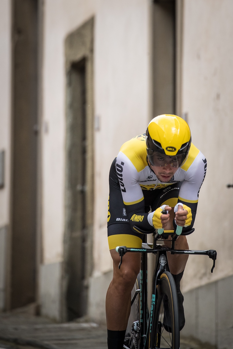 roglic takes giro stage 9 chianti tt santini cycling wear