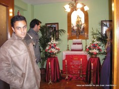 Corporación visitando al Santo
