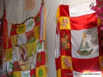 Cruz de la Mayordomía 2011-2012. Banderas de otras mayordomías.