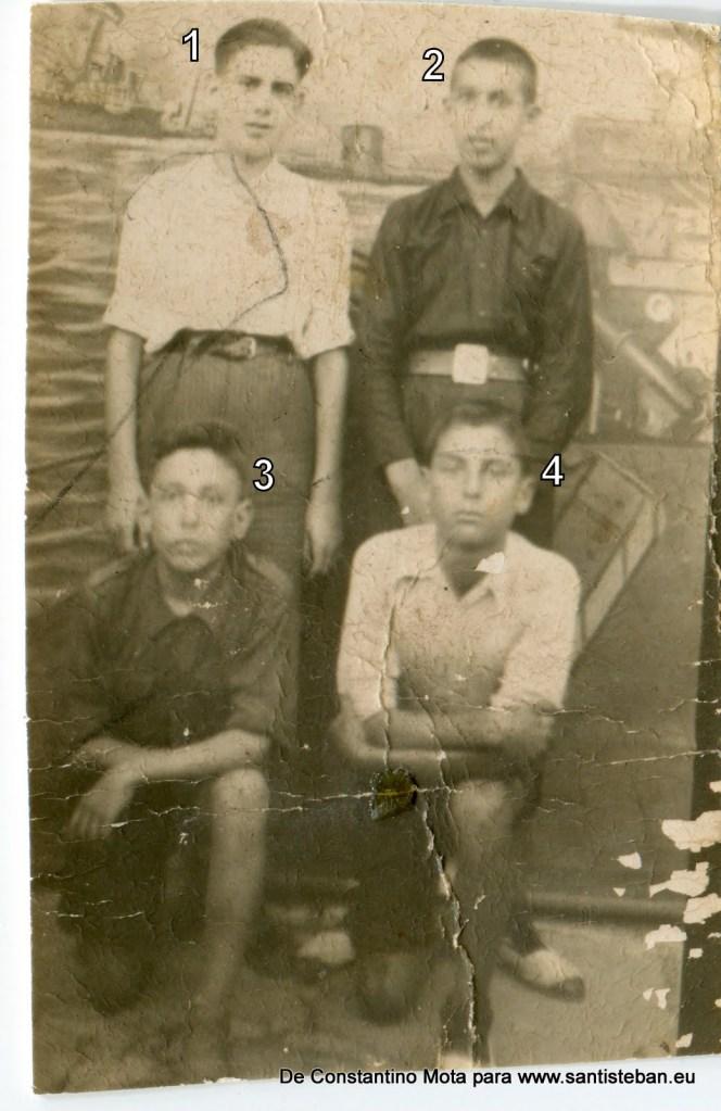 Fotografía tomada en torno al año 40.1- Constantino Mota2- Álvaro Pliego3- Aurelio Mallenco4- José Núñez Pérez