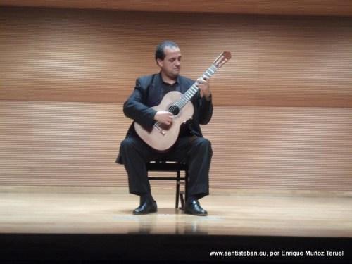 Enrique Muñoz en Asaka, Japón