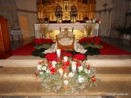 Nacimiento a los pies del Altar