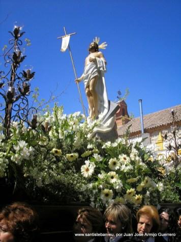 Domingo de Resurrección. Procesión con la nueva talla del Resucitado.