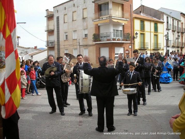 Banda de música amenizando la fiesta