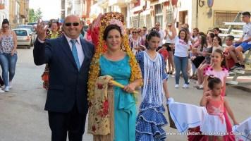 Mayordomía dirigiéndose al festejo taurino (viernes)
