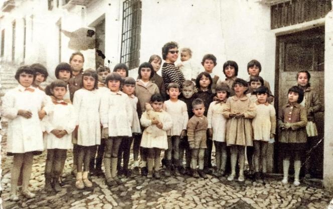 Escuela de Deogracias. Calle Cádiz. Maestra Doña Gertrudis La Cordobesa. Año 1960. Informante: Don Diego Villar.