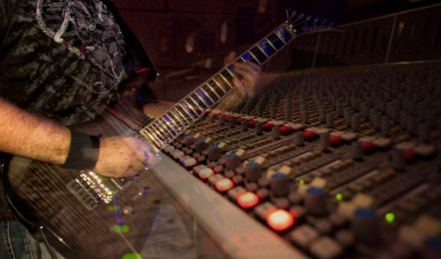 Quick tips on mixing heavy metal guitars