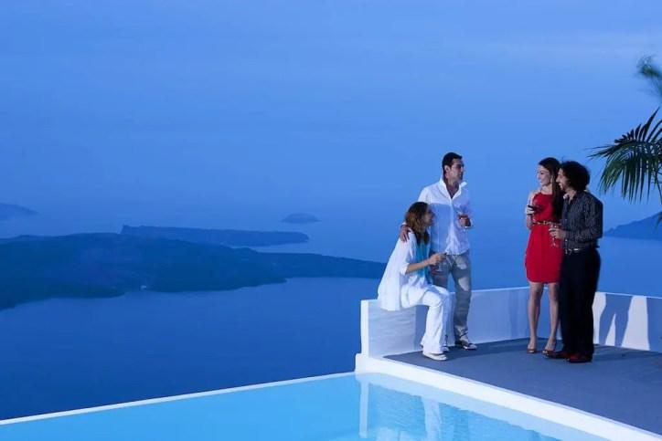 Chromata Santorin Hotel
