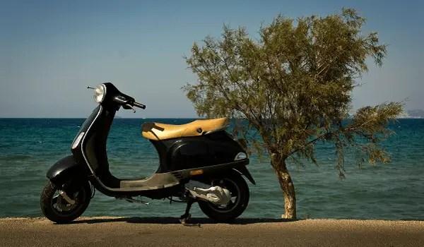 Location Scooter Santorin
