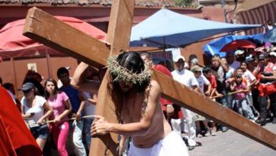 Photo of Millones de personas celebran la Pascua bajo nuevas restricciones anticovid