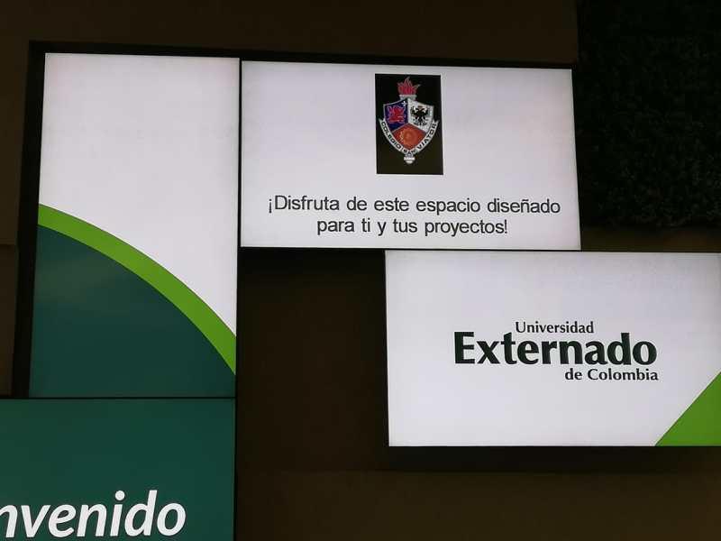 Estudiantes de grado 11° durante el ciclo de visitas a las universidades Javeriana, Externado, La Sabana y la   Escuela Colombiana de Ingeniería.