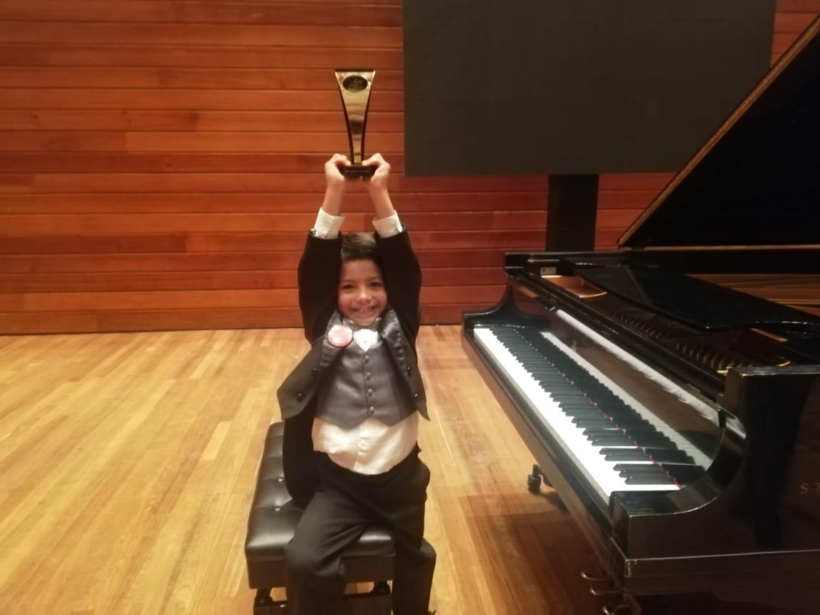 Juan Miguel Saboya Soto entre los mejores niños pianistas de latinoamérica