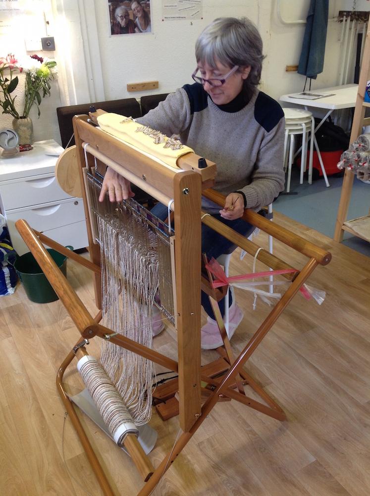 Threading a ready made warp
