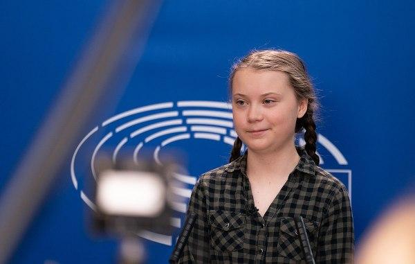 L'attivita Greta Thunberg nella sede del Parlamento europeo