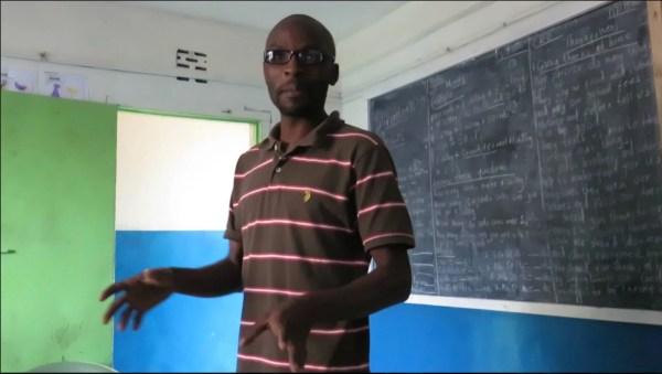 Sami Maina è il direttore e fac-totum della scuola aperta nel 2008 da Hands of love