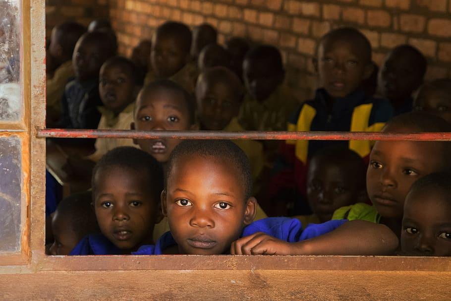 Bambini in una scuola africana