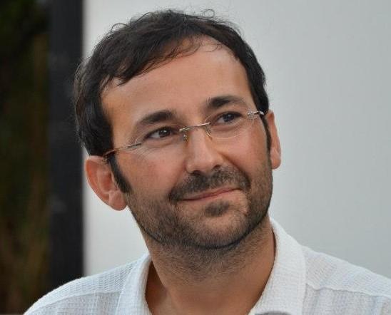 Davide Cortese, poeta, scrittore, performer di Lipari