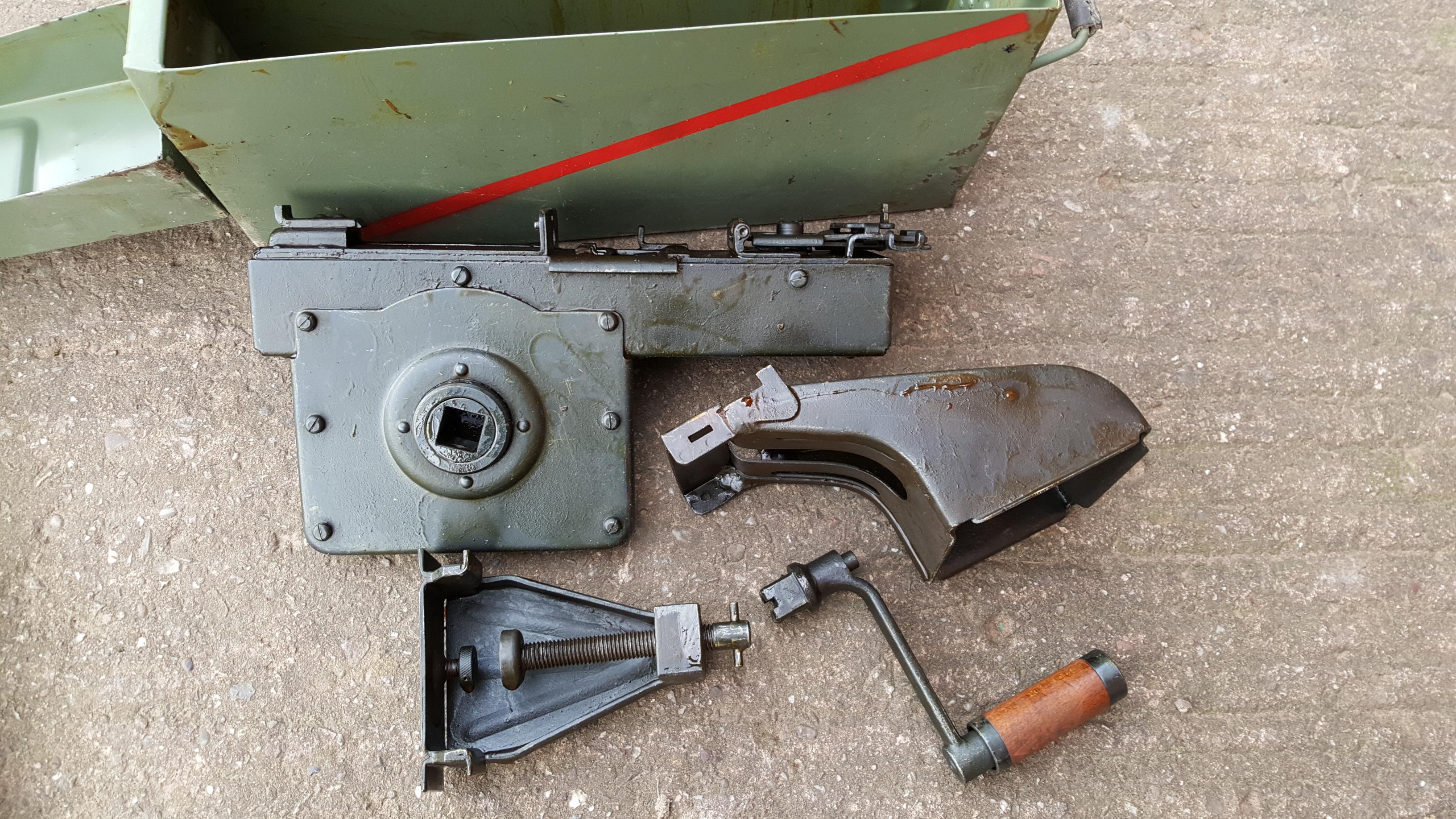 German MG34/42 Belt loader in case