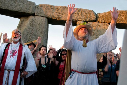 Druids conduct a Summer Solstice ceremony, Stonehenge, Wiltshire, 2007
