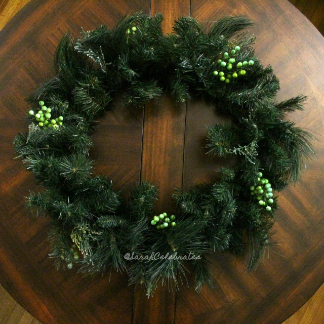 1 2 3 Christmas Wreath-Start with a wreath | Sarah Celebrates