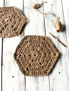 Hexagon Jute Trivet - Free Crochet Pattern | Pinbellish Fave 1