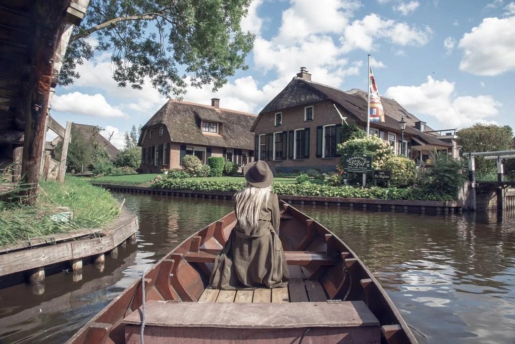Niet te missen toeristische plekken in Nederland. Deel 1: Giethoorn