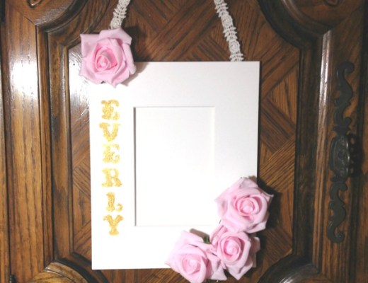 Baby Shower Gift: Everly Hanging Photo Frame