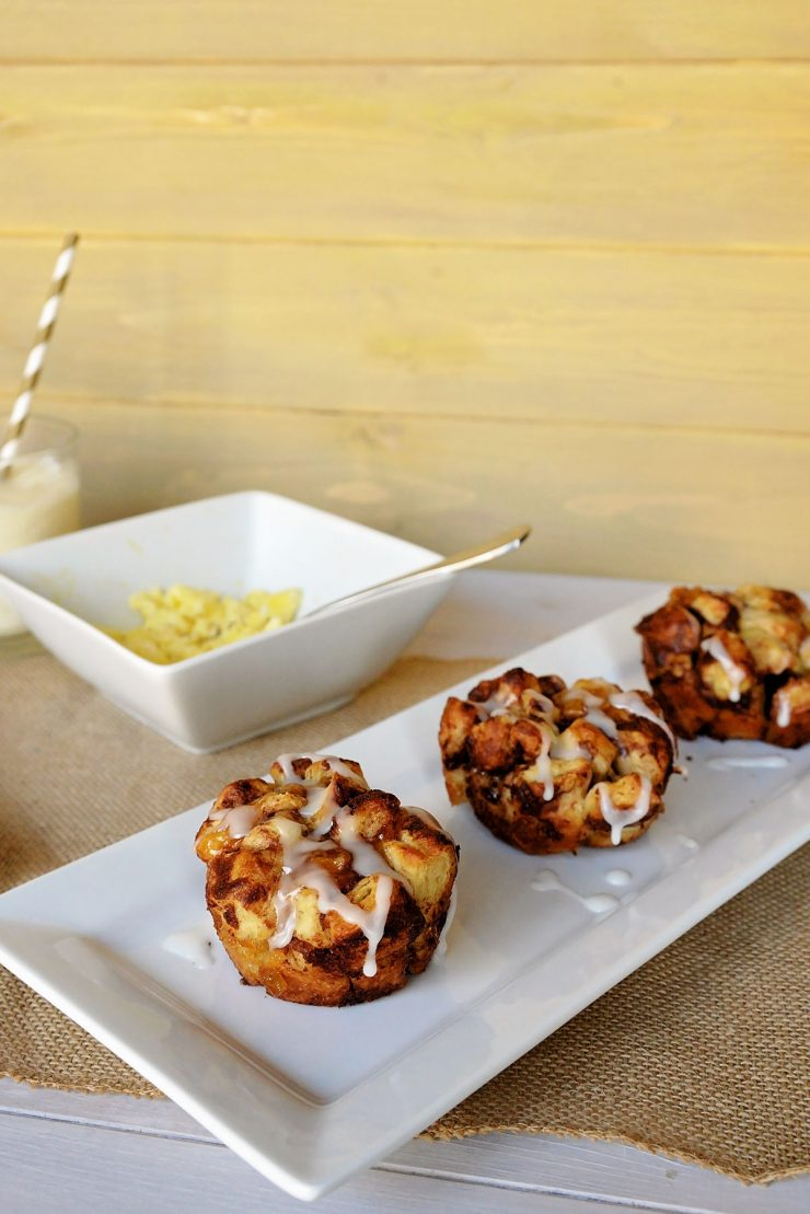 Mini Apple Cinnamon Monkey Bread | #ad #WarmUpYourDay #CollectiveBias
