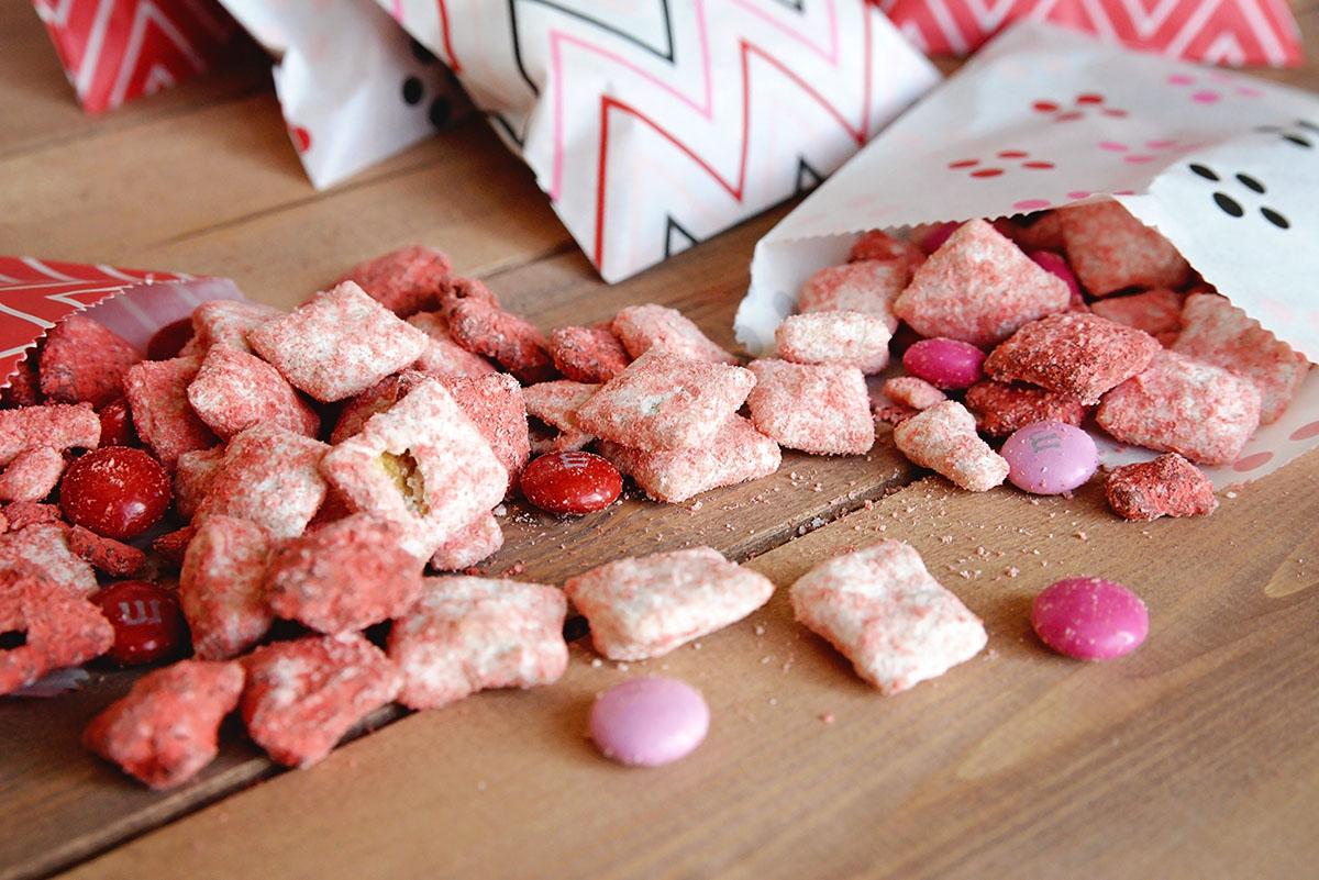 Valentine Puppy Chow Recipe Valentine Muddy Buddies