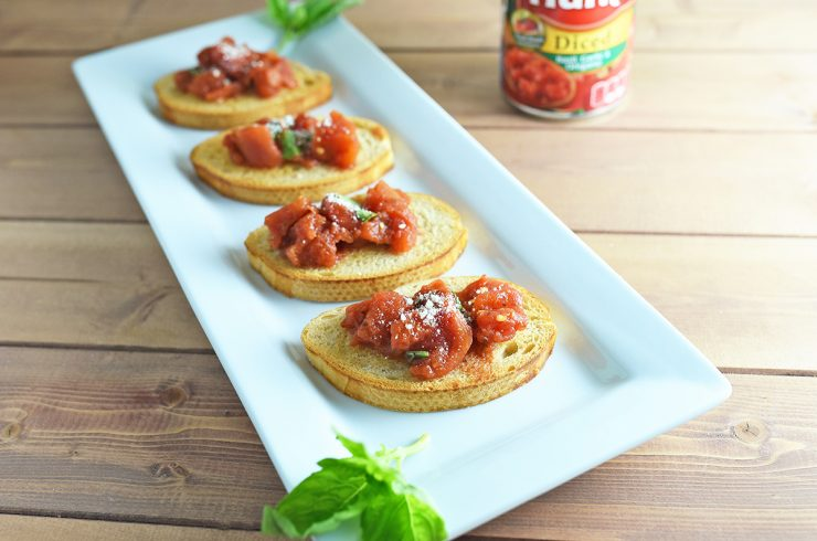 Simple Bruschetta using canned tomatoes | #YesYouCAN #CollectiveBias #ad