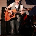 Sara_live_2012