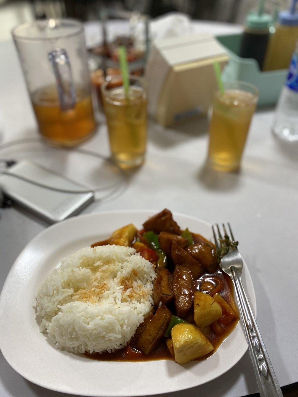 Sweet n sour vegan chicken and veggies with rice from Ruyi Vegetarian, Bangkok, Thailand