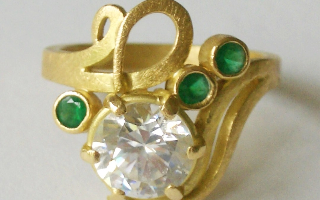 Minnie's 'Lucky Find' Diamond Curl Ring