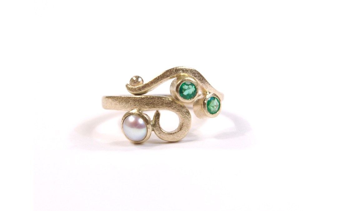 Rogers Gold Curl Ring with Emerald & Pearls