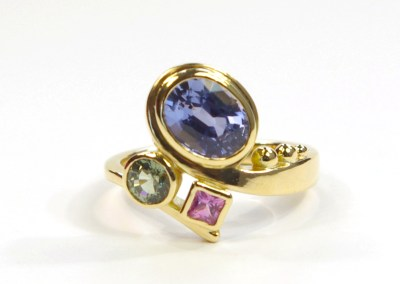 Designing Nuala's Gold And Sapphire Curl Ring: Idea 5