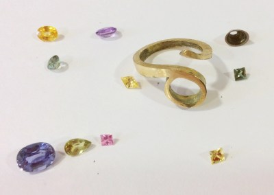 Designing Nuala's Gold And Sapphire Curl Ring: Idea 3