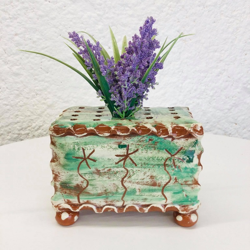 sea green slipware flowerbrick with x3 sgraffito daisies by sarah monk ceramics, side view