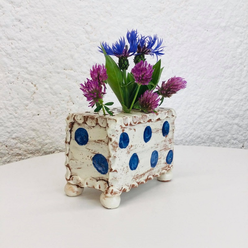 Flower brick with cobalt dots by Sarah Monk (corner view)