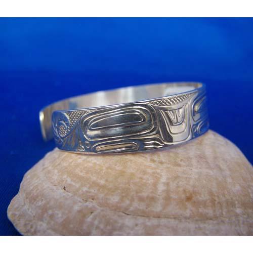 Silver Wolf side View Bracelet by Carmen Goertzen