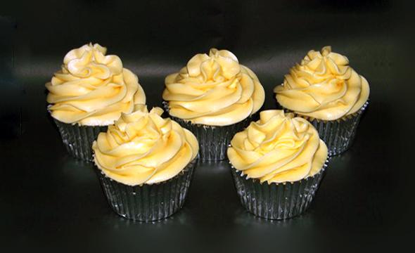 Apple & Custard Cupcakes