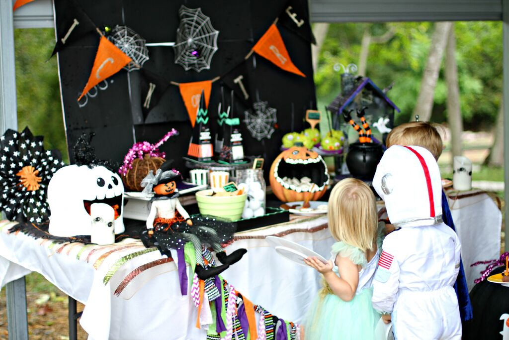 Halloween Party Ideas: Easy Spooky Monaster Eyeballs Sarah Sofia Productions